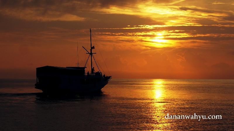 berlayar dari Lombok ke Labuan Bajo