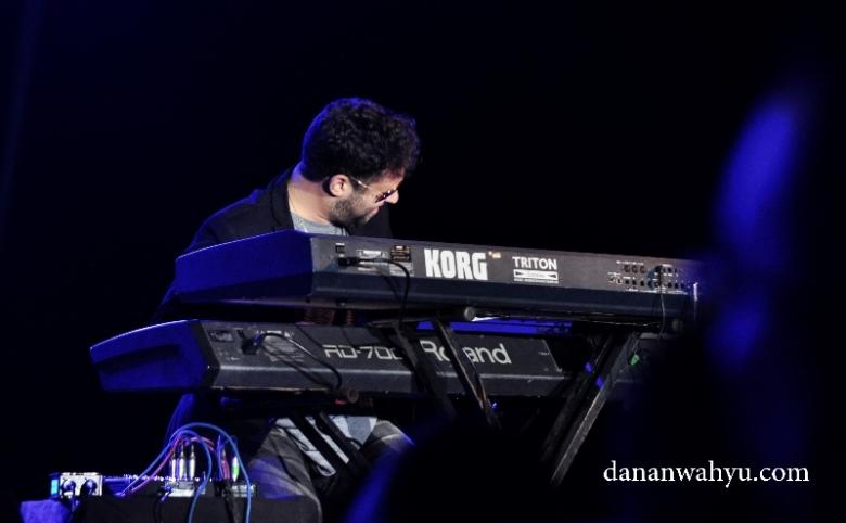 Matt Copper pemain keyboard gaya funky