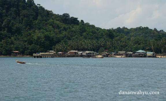 perkampungan di pulau Petong