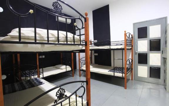 penampakan kamar male dorm Kimberley House