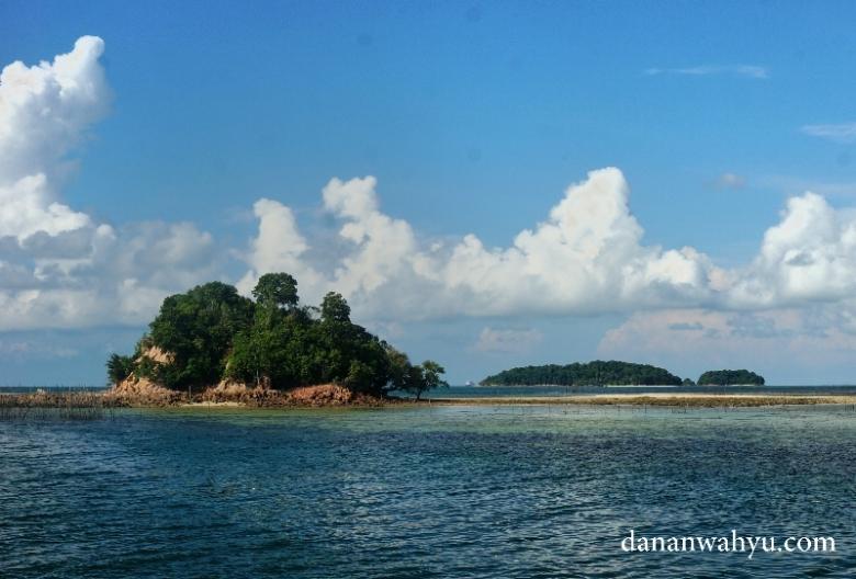 pulau kecil di sekitar perairan pulau Petong