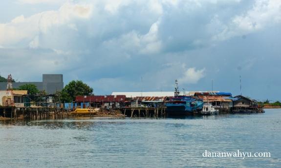 berangkat dari pulau Galang menuju pulau Petong