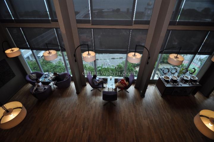 Salah satu ruangan favorit saya di lantai 15 Thistel Hotel