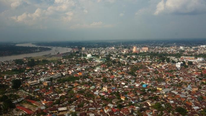Pemandangan kota Jambi dari atas helikopter
