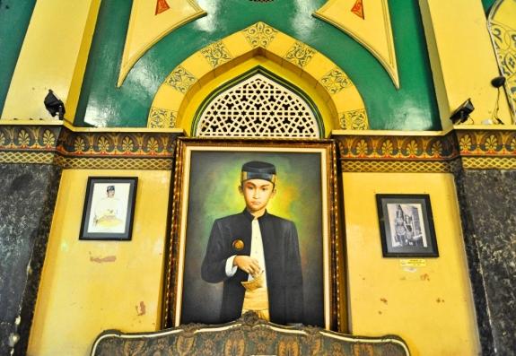 Lukisan Sultan di Istana Maimun