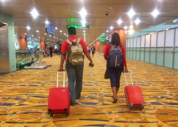 Kesibukan pekerjaan dan terbatasnya waktu membuat saya menjadi traveller penjinjing koper