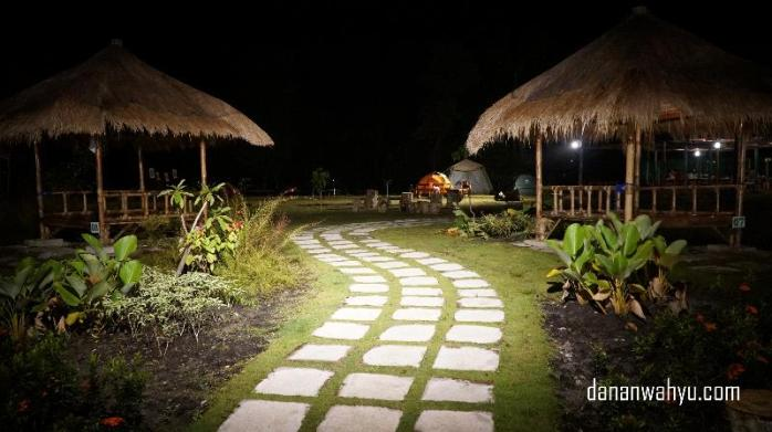 Indahnya malam di poyotomo dengan penerangan yang cukup