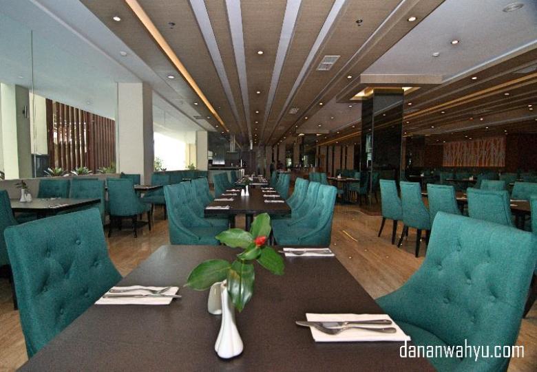 Resto & Cafe  Aston Batam Hotel & Residence