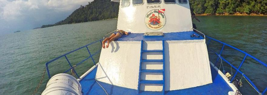 KM ASAD Kapal milik Max's Dive Centre Batam