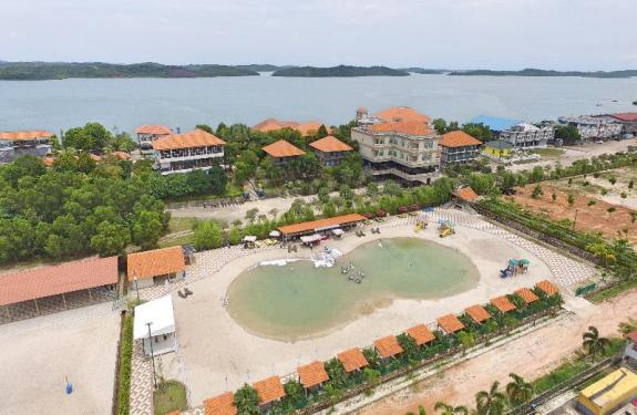 Kolam air asin Nipah Island Resort