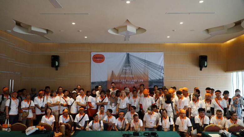Foto bersama peserta HARRIS Photo Hunt Barelang Batam