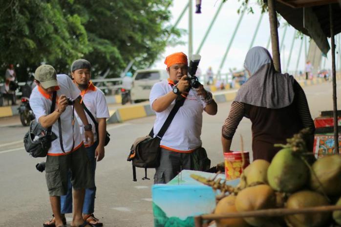 Fotografer juga manusia suka laper dan moto makanan apalagi jajanan.
