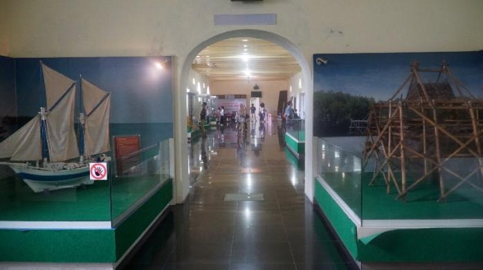 Di kawasan benteng Fort Roterdam terdapat Museum La Galigo