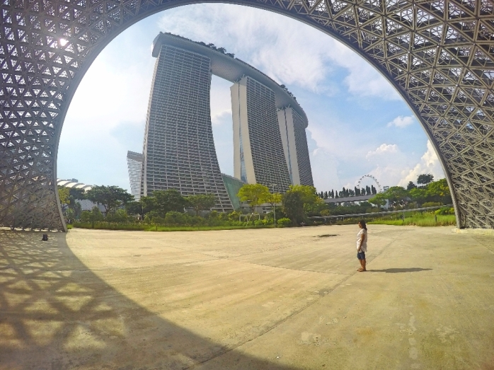 Selain banyak spot wisata gratis, bisa lho jalan-jalan ke Singapur dengan bujet minim nyaris gratis.