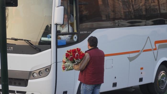 Penjual bunga di lampu merah Bursa, ternyata di Turki ada pedagang asongan