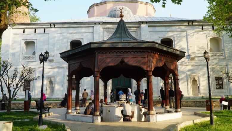 Masjid Hijau , situs bersejarah dan wisata religi di Bursa