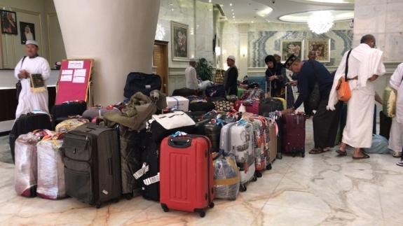 Semua barang ini harus dimuat dan dibongkar sendiri selama perjalanan