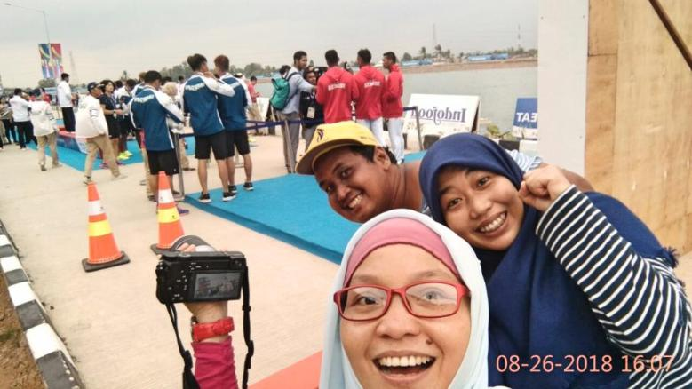 Selfie, mumpung yang belakang tim indonesia lagi diwawancara